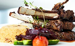 Assiette de Viande banquet à déguster pour banquet festif, diner d'entreprise, Bistrot La Montagne restaurant pour groupe à Paris