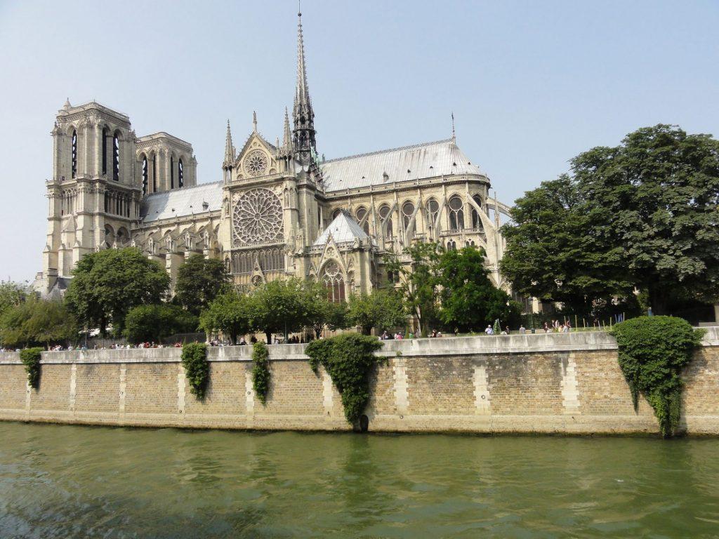 Restaurant groupe Paris proche de la Cathédrale Notre-Dame