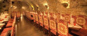Restaurant groupe Paris - grande salle et grande table